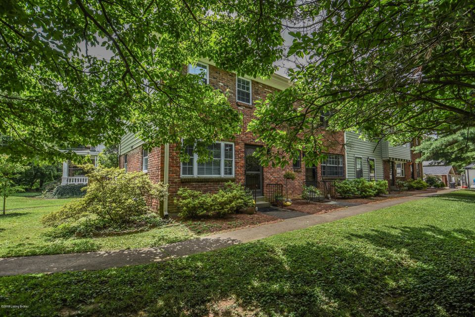 FIRST SHOWINGS and OPEN HOUSE, SUNDAY, 6/23, 2:00-4:00!  Unique Townhouse located just steps from Frankfort Ave and in the HEART of Crescent Hill!  Prepare to fall in love with this END unit that has been completely remodeled!  The attention to detail is evident in every room.  Living room opens to the dining area, that offers charming bench...