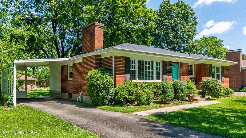 Perfect St Matthews location where the historic Woodland Park race track was located!  Large 2 bedrooms with walk-in closets, partially finished basement, not 1 but 2 fireplaces, hardwood floors and so much more