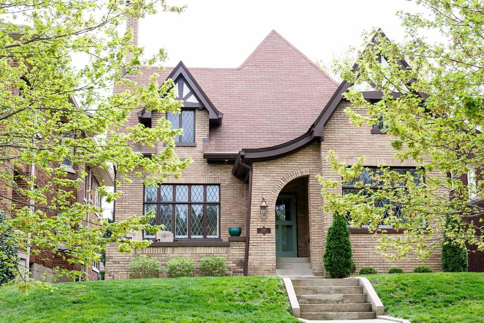Enjoy the comforts of professional renovations (2016) that preserved the charm and timeless quality of this enchanting, impeccably finished, park side home. A Cherokee Triangle treasure with charming Tudor exterior and classic Craftsman interior. Rare FIRST FLOOR MASTER SUITE including a large bedroom, private study, and NEW ensuite bath with...