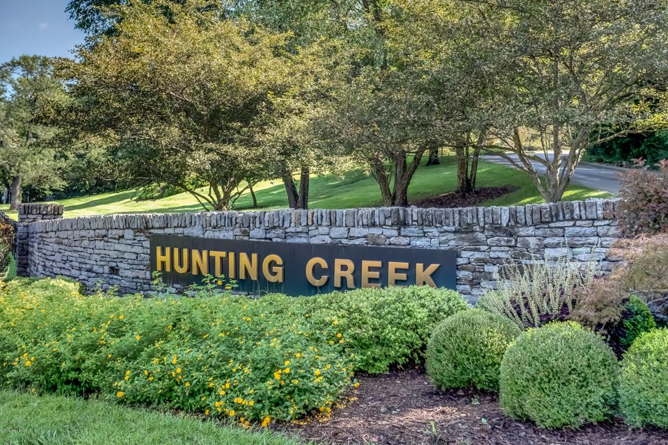 Location Location Location. Immaculate one bedroom condo in Hunting Creek. Balcony faces Westover and green grassy area. Sit on your  balcony for coffee or enjoy the deer roaming in the evening. New carpet and new paint throughout.  Laundry facility right in your parking lot in clubhouse. Very well taken care of. Hunting Hills are now FHA...
