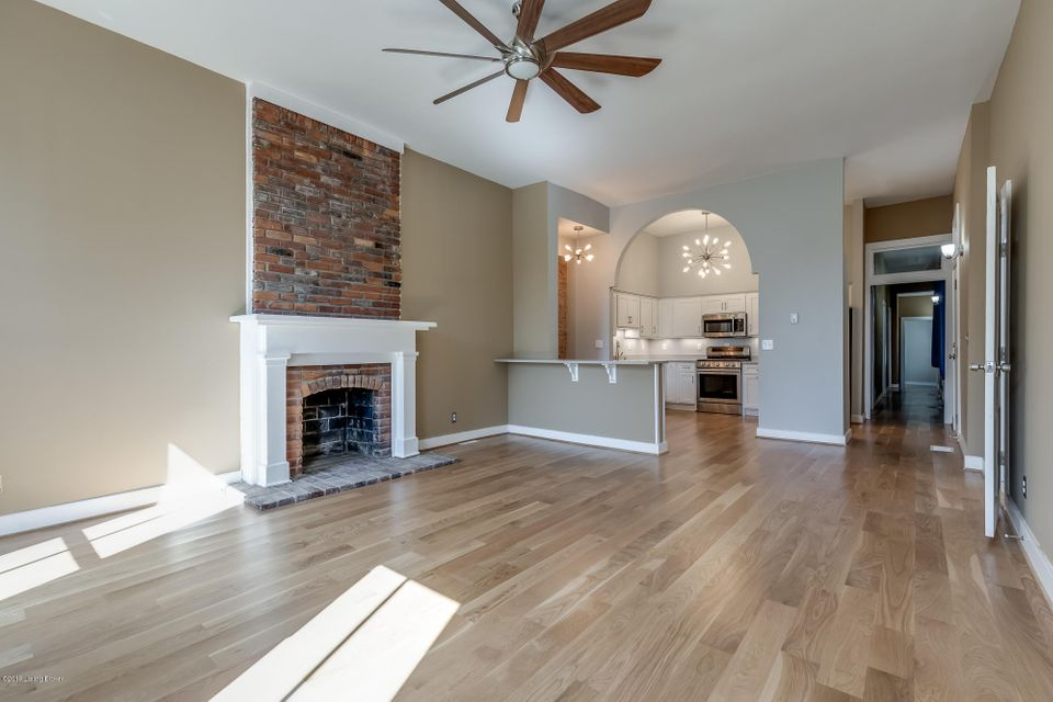 This beautifully renovated 1900s building in Butcher Town, offers all new stainless steel appliances, custom cabinets, granite counter tops, and original exposed brick walls. Water/sewer and trash are included in the monthly rent. Tenant pays electric, gas, and trash. NO PETS ALLOWED. Call today to schedule a showing!