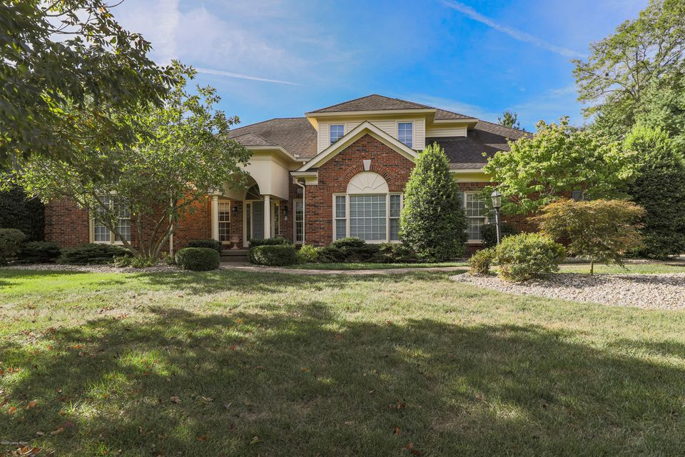 Schedule your private showing to see this well-maintained home located in the Estates of Hunting Creek. This home features first floor living including a large master suite and bath with custom closets.  A vaulted great room opens onto a covered rear porch. The large open kitchen features a dining area and family room. A two-story entry foyer,...