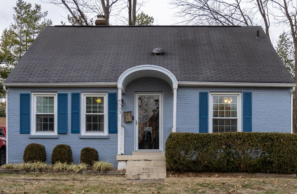 This cape cod is in the heart of St. Matthews and is a rare find! Should sell quickly as it is priced to sell! So make your appointment today before it's gone!Home features three bedrooms, updated eat-in kitchen, stainless steel appliances, recessed lighting, original hardwood floors, fantastic curb appeal, and a dry basement.Fully fenced...