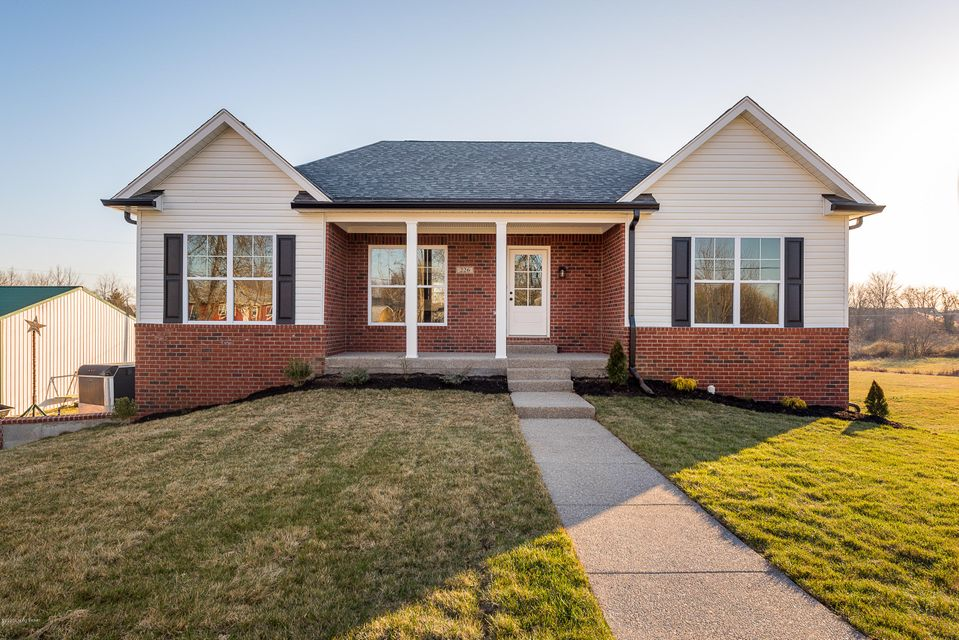 New custom ranch home,lots of crown mold,open floor plan,walkout basement on a beautiful lot,must see