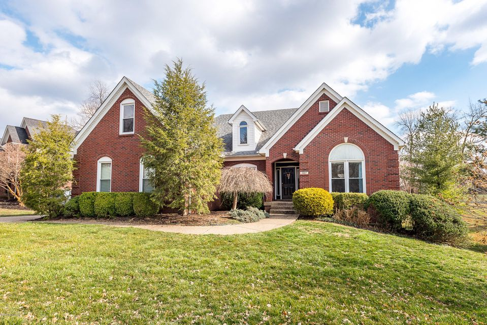 Beautiful walkout ranch home in Forest Springs. Spacious kitchen with tons of white cabinets and granite counter tops opens onto a vaulted breakfast room. Finished walkout basement features a second family room, kitchenette, full bathroom, and a fourth bedroom. Outside is anamazing yard with mature trees and beautiful landscaping. Neighborhood...