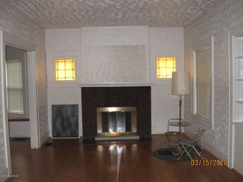 NO HEAT TO UPSTAIRS--HOUSE SOLD AS ISHOUSE SOLD TO SETTLE ESTATE.-GREAT AREA--NEEDS SOME WORK. GREAT--GREAT--AREA