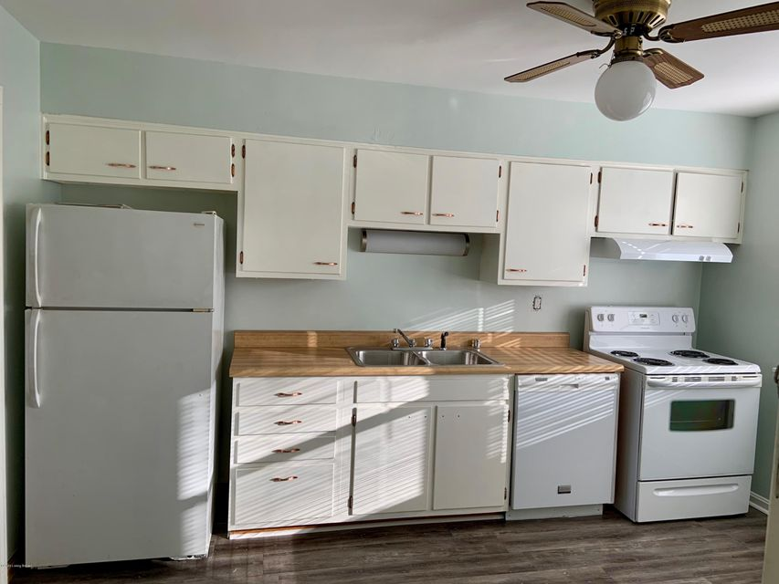 Two-bedroom unit with fresh neutral paint, newly refinished hardwood floors, tile bathrooms, spacious kitchens with new flooring, new lighting and good closet space. Also has plenty of parking! The basement has washer/dryer hookups plus storage areas for each unit. Located adjacent to JCC (with gym, pool, possible childcare and easy access to DuPont, St Matthews, Highlands, 264 and 64 just minutes away. Application fee of $25.
