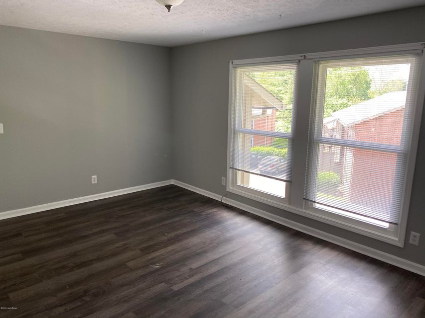 Check out this remodeled 1 bed/1 bath apartment in an excellent location! This is located off Brownsboro Rd near Mellwood Arts Center, Clifton, and downtown Louisville. You will be close to restaurants, shopping, and nightlife! This apartment has new flooring throughout, updated kitchen, and updated bathroom!