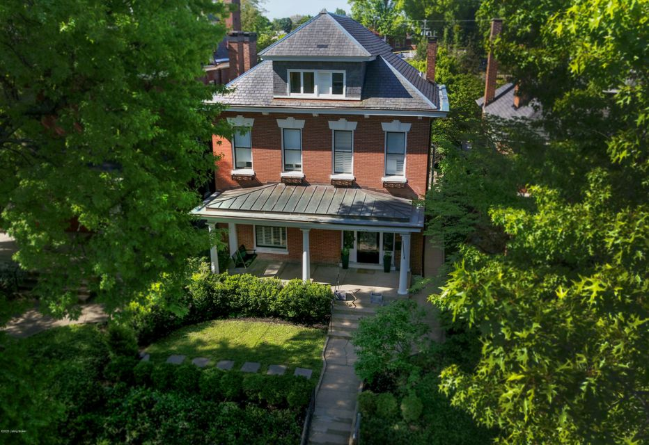 $750,000 budget, but Million Dollar Taste? Then this home is for you. This 6 bedroom, 4.5 bath home has a remarkable mix of traditional and modern features. The ''bonus'' is a fabulous carriage house with a stable, low-key renter at $1200/month in this separate accessory unit. (supports ~ $200,000 of your mortgage!).You'll appreciate the rear...