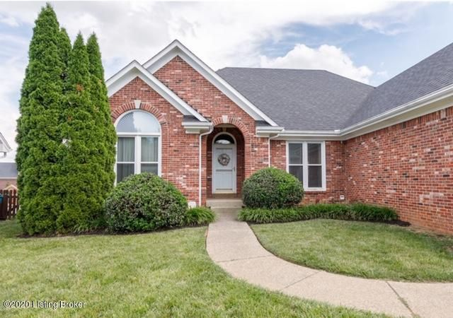 Wow! Welcome to this wonderful all brick ranch with stylish finishes throughout, this easy-living OPEN FLOOR PLAN has three bedrooms, 2 full baths, a gorgeous UPDATED KITCHEN with beautiful cabinetry, GRANITE countertops, AND gorgeous HARD WOOD floors throughout the main level!