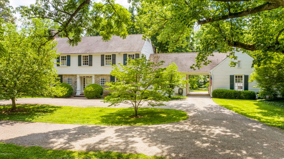 This listing presents an extremely rare opportunity - an acre on Jarvis Lane. The land was once part of a 6,000 acre land grant by Thomas Jefferson. Beautifully situated on the lot is a fieldstone clapboard two story designed by Stratton Hammon. The approach to the house is a long pebble covered drive that ends in a circle in front of the...