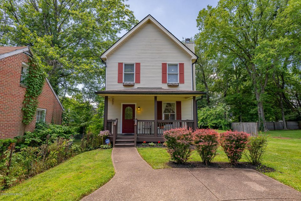What an adorable 3 bedroom, 2.5 bath home in the heart of Middletown! The first floor has hardwood floors throughout, a beautiful fireplace, and an updated kitchen with granite countertops.  Upstairs you will find the master suite with walk in closet as well as the remaining two bedrooms and a Jack and Jill bathroom. The basement has been recently finished and includes a living area and a bonus room.  In addition to all of that, this home comes with an empty lot next door and conveniently located near expressways,  restaurants and shopping.  Schedule your showing today... this home is amazing and won't last long!