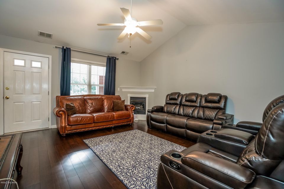 Welcome home to this updated maintenance-free condo located in the sought out Clifton neighborhood! With all major interstates close by and conveniently located between Brownsboro Rd and Frankfort Ave, an array of entertainment is just around the corner! This 2 bedroom, 1 full bath condo features updated flooring, a vaulted great room with...