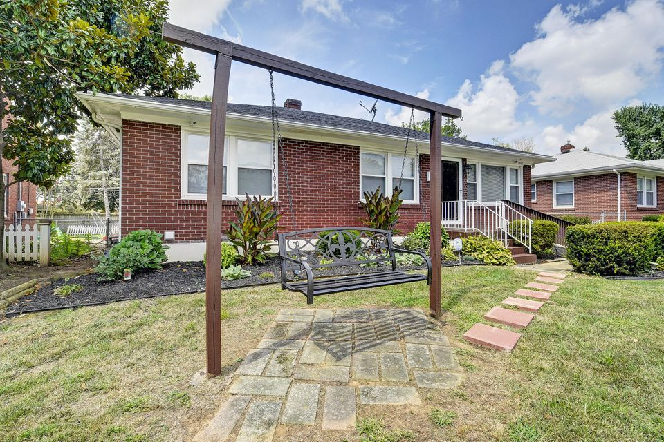 Welcome Home. This brick, 3 bedroom, 2 full bathroom home with basement has been updated and waiting for you to move in. The seller has updatedflooring, paint, and kitchen of this lovely home. The basement which is awaiting your special touch has been used as additional living space and includesthe 2nd full bath of the home and laundry. The backyard has an awesome outdoor living space to enjoy with friends and/or family! Living here, you will beclose to shopping, dining, entertainment, and the expressway. Contact us today for your showing.