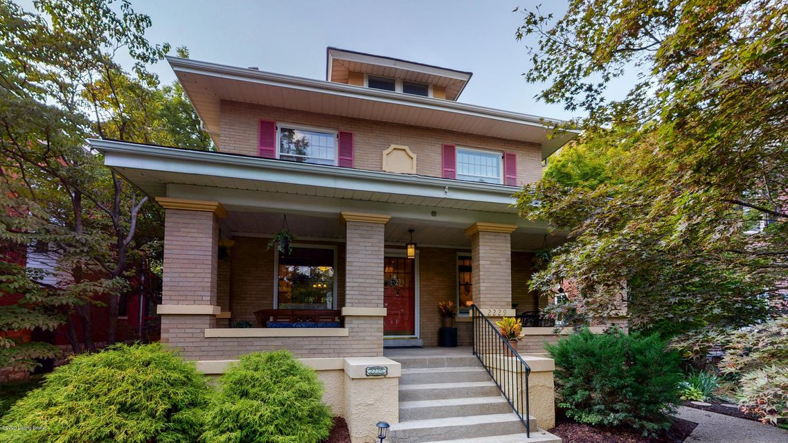 Just 2 blocks from Cherokee Park and the Scenic loop, this 1915 beauty will go quickly due to its excellent character, condition, renovations, and location. Since 2016, this 3-bedroom, 21/2 bath home has undergone extensive floor plan changes including a new kitchen, which was re-designed to allow for 3 additional spaces: a newly created pantry,...