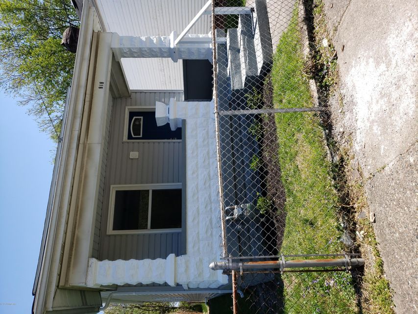 Welcome Home to this Fully Remodeled 2bed 1bath Single Family Home. Youll love the stainless appliances, artisan tiled bathroom, and laundry room. Small back yard for entertaining. Tenant Pays Water and LGE. Landlord pays trash. $1200 security deposit. Shorter term leases available.