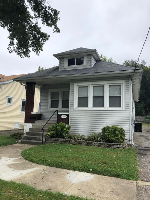 Charming Germantown 2BR/1BA bungalow with basement and nice attic storage. Fenced yard, fabulous location.  $1,200/mo - $1,200 deposit.