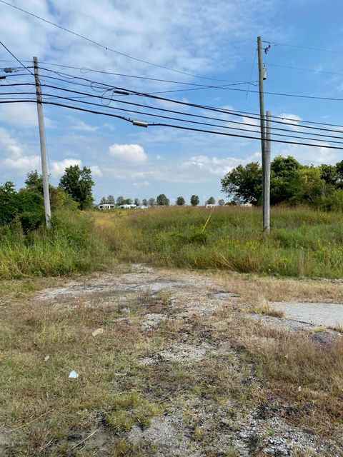 LOCATION!!! Rapid growth area! Perfect site for restaurant, convenience store etc. etc. Lots of opportunities. Located about 1/4 mile from I 65 exit 116.