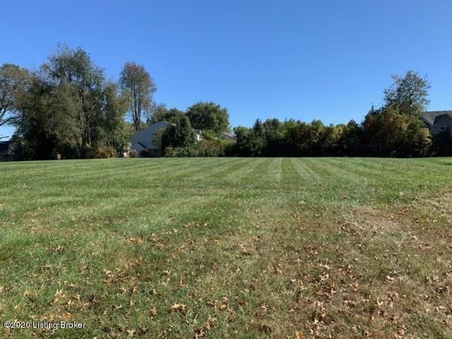 Beautiful lot in Settlers Gap Subdivision. A perfect lot to build your new home.  Great location, close to I65.  City water, sewer and natural gas available. Lot size  95x238x133x243