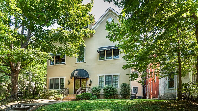 Please visit this modern condominium at the historic 19th century  Marseilles in the Cherokee Triangle! This condo is spacious with three bedrooms, three baths and high quality architectural features including hardwood flooring, custom moldings and cabinetry, granite counters and Travertine backsplash. There are new wood windows and a Sonos...