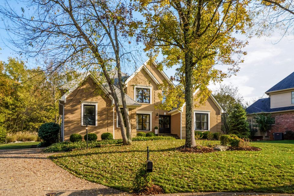 First showings Friday, Oct. 23 at 1:00. Located on a quiet, tree-lined cul-de-sac in Springhurst, this beautifully maintained and customized home with great curb appeal checks all the boxes. An open floor plan greets you upon entry, with a great room that includes two-story cathedral ceilings, a stone fireplace and built-in bookcases. The spacious kitchen has granite countertops, stainless steel appliances, a breakfast area, island with seating, and leads into the laundry room along with attached two car garage. First floor primary bedroom suite features bay windows, walk-in closet, double vanity, tub and separate walk-in shower. Gorgeous details such as trey ceilings, wainscoting, trim and crown molding are sure to impress.