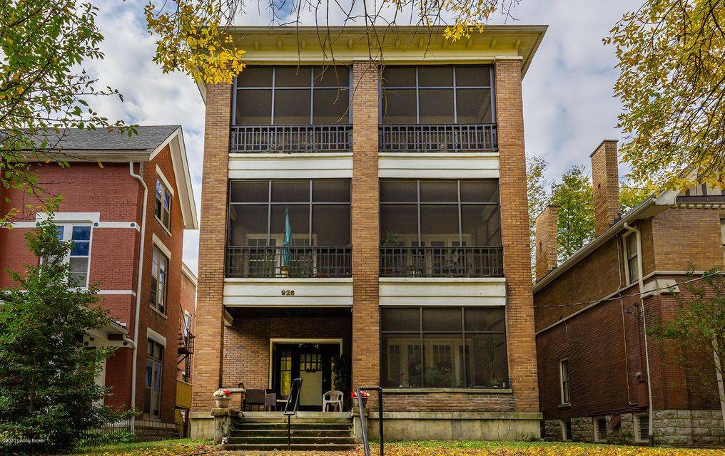 ATTENTION INVESTORS: Don't miss out on the opportunity to own this 7 unit apartment building, located in the highly sought after Cherokee Triangle! This building is located close to downtown Louisville, expressways, parks, restaurants, shops and more. All units are occupied so you can start earning right away! These apartments are currently...