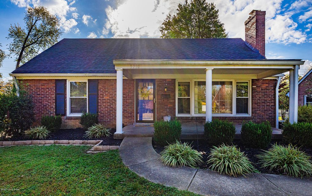 A gem in the heart of St. Matthews at a great price!  Primary Suite (FKA Master Suite) on the second floor is a must see, including jacuzzi tub in Primary Bath.  Hardwood floors all throughout first floor, including the spacious bedrooms. One year home warranty (Chosen by seller) to be provided to buyers for property at closing.  New dishwasher,...
