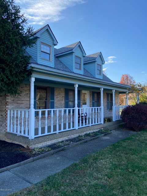 Welcome to 253 Pointe Blvd. Shepherdsville, KY 40165. This three bedroom 2.5 bath w/ two car garage is conveniently located in the Pointe Subdivision.  This one owner home is situated on .75 acre, and is perfect for the growing family!  The first floor consists of the master bedroom and bath, with whirlpool tub, large living room with gas log fireplace, half bath, formal dining room for those special occasions, and large kitchen.  And appliances stay!  Upstairs you will find two large bedrooms, and a full bath.  Put your finishing touches on this one!