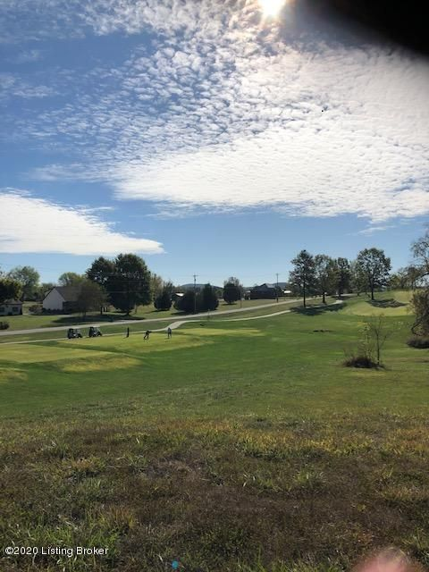 Beautiful Walkout lot with 175 feet of road frontage on overlooking the 7th green on the golf course,  Minutes to I-65, shopping and dining. Easy access to Airport and Louisville. Spectacular views and great location. Bring your plans and build your Dreamhouse