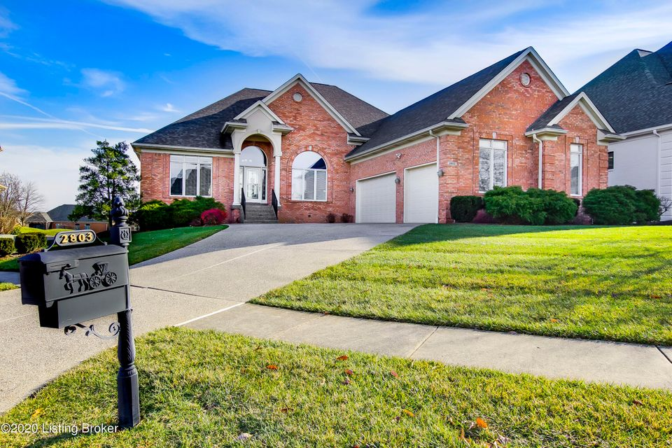 **Rare Find in Lake Forest*Click Here for All This Subdivision Offers: https://lakeforestky.com*Stunning & Amazing Home*Walk-Out Ranch Home Overlooking Gorgeous Golf Course w/Sweeping Views of the 4th Green**Open Floor Plan w/ 9' or 12' Ceilings on Main Level**Large Great Room w/Fireplace, Built-in Cabinets, TV Nook & Palladian-Style Window...