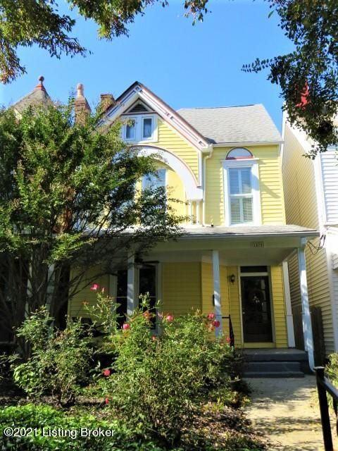 Stunning ''Painted Lady'' executive rental in Old Louisville that has been meticulously maintained and is waiting for you to call it home. This gorgeous, historic home boasts original hard wood floors, stained glass windows, hand carved wooden stair case, multiple fire place facades, 3 huge bedrooms, 3 FULL updated bathrooms, updated and roomy...