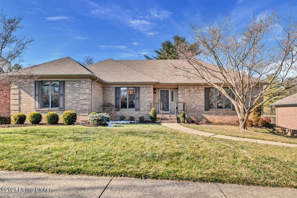 Open House Sunday, February 28, 2:00-4:00. First time on the market in 34 years. This well-loved, meticulous custom built 4 bedroom, 2 1/2 bath highly sought-after walk-out ranch in Hunting Creek offers opportunities galore to add your personal touch. Large light filled family room with open floor plan, fireplace, vaulted ceilings and skylights,...