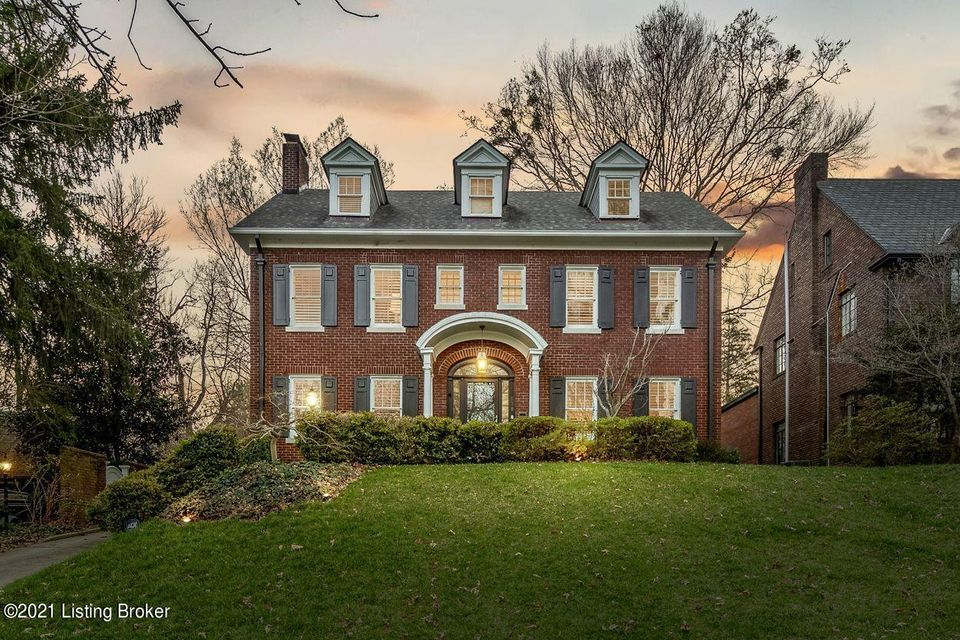 For the discriminating Buyer, one of Louisville's historic and most desirable neighborhoods presents an available beauty.  Stately three-story, center-hall Colonial in Cherokee Gardens offers a perfect combination of century-old character and modern amenities.  Sloping front yard welcomes visitors to a home overlooking Cherokee Gardens common...