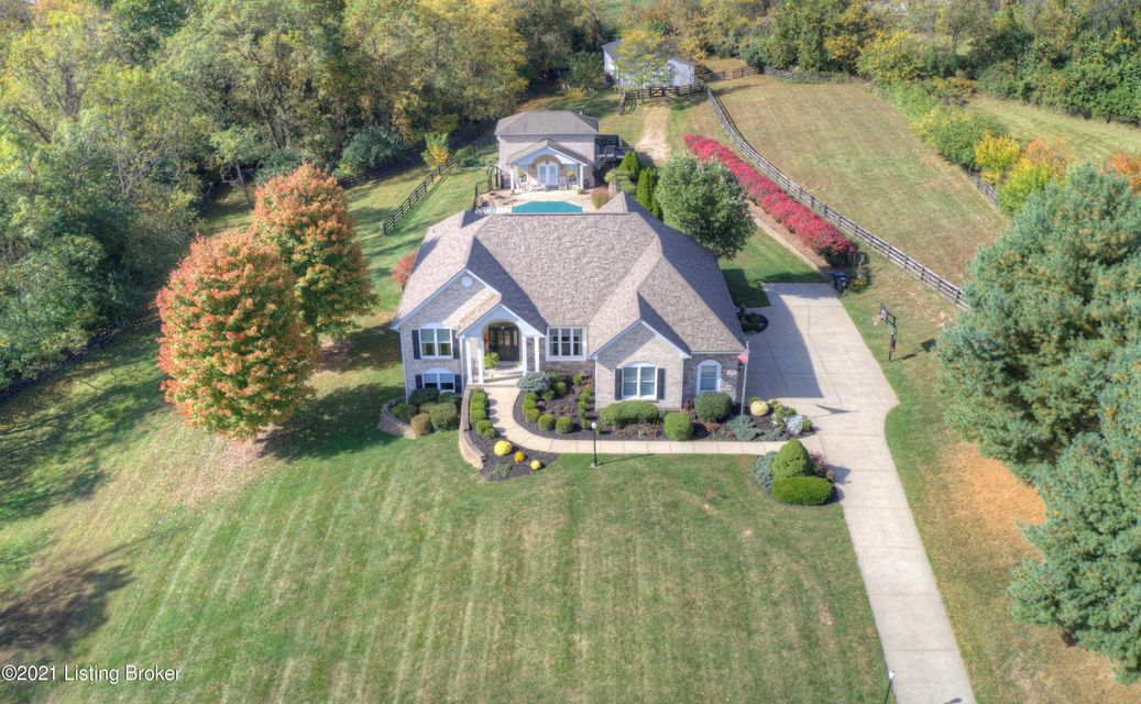 Exquisite & Private 6 Bedroom Home on 4.89 AC w/ Full Fin LL, In-Ground Pool, Barn & Pool House*Large & Spacious Kitchen w/ updated appliances, cabinets & Breakfast Area*Great Rm, features Built-ins, Gas Fireplace & Walkout to Sun Rm*Beautiful Formal Dining & Cozy Library*1st Flr Master Suite w/ adj Master Bath complete with Custom Built Tile...