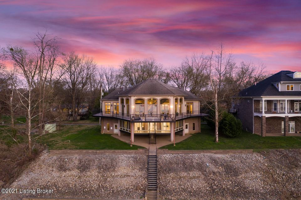 Take advantage of river front living in Prospect, Kentucky in this stunning architectural marvel. Located on a large lot surrounded by Hays Kennedy Park, Garvin Brown Nature Preserve, and the Ohio River. This property features modern living, privacy, and panoramic views of the Ohio. The home was built with the views in mind, with almost every...