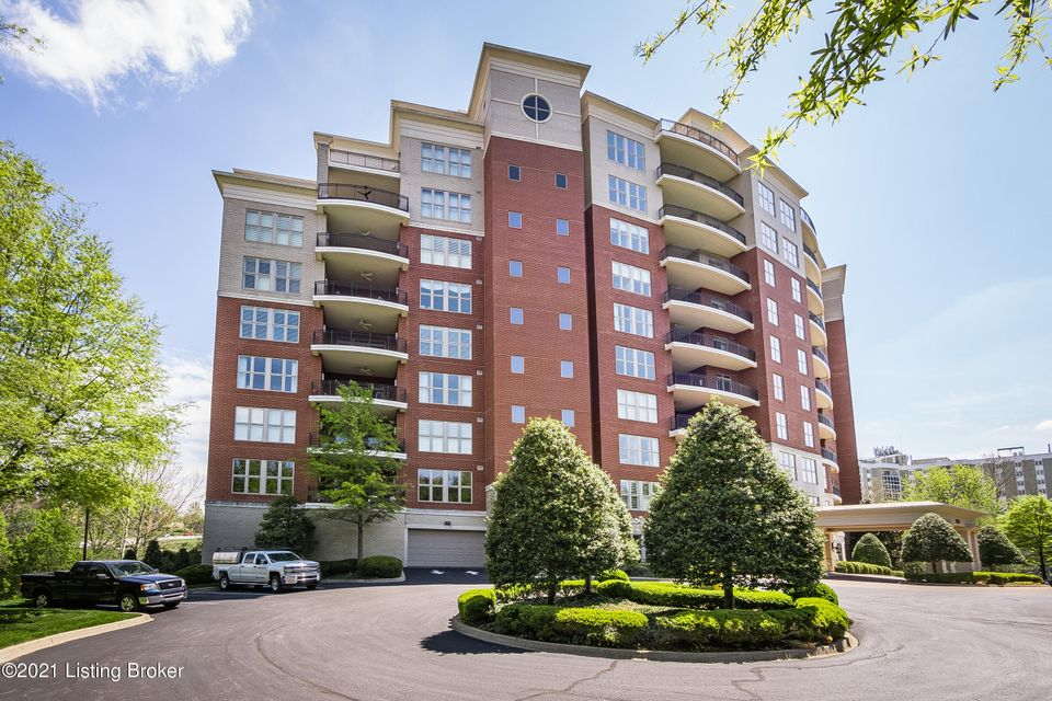 A rare opportunity to own an exceptionally designed and fully complete unit in The George, one of Louisville's most prestigious luxury condominium buildings located in the heart of Glenview. This unit is custom designed by Wilkinson builders and offers an exceptional floor plan for living and entertaining. The kitchen is a chef's dream with...