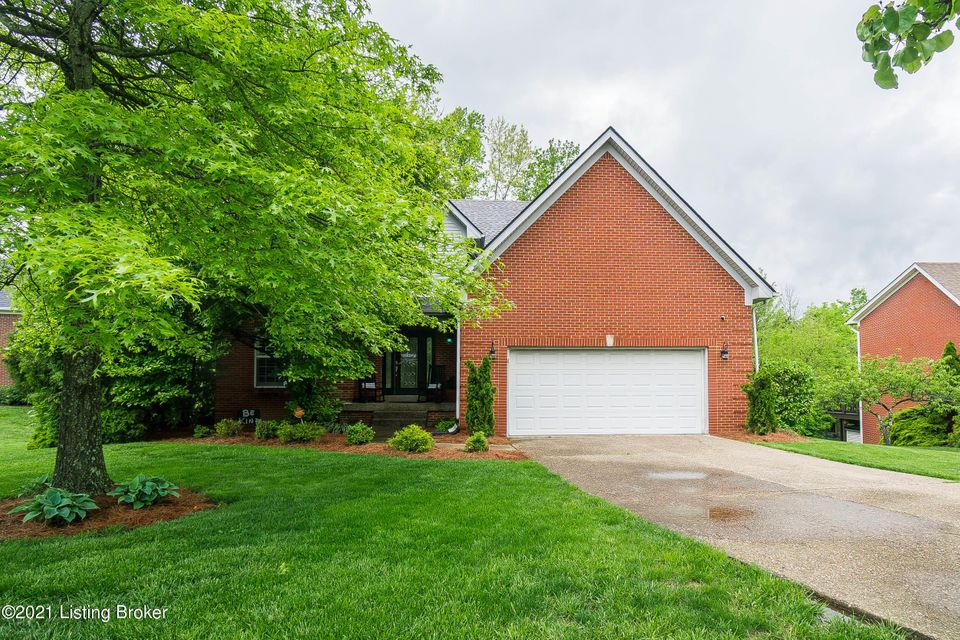 Welcome Home to 11700 Hancock Trace Court! This well-maintained home sitting beautifully on a corner lot in prestigious Polo Fields is a ''must see'' in The Enclaves section of the subdivision.  You will love cooking in the eat in kitchen that is equipped with an elaborate exhaust system for the home Chef! Natural light makes the family room...
