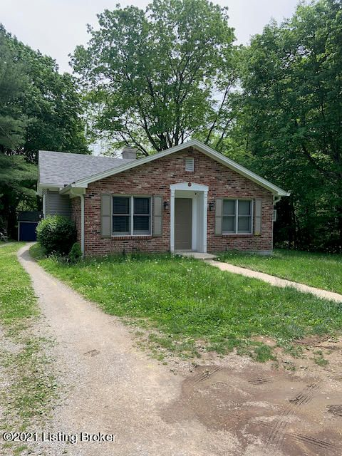 Very nice 3 Bedroom, 2 Bath brick ranch with 1.25 acres. Washer/Dryer Hookups, Electric Stove, Refrigerator, dishwasher and Microwave provided.  One year written lease, 1st months rent ($1500) and the damage deposit ($1450) required before you move in.  Must fill out an application.