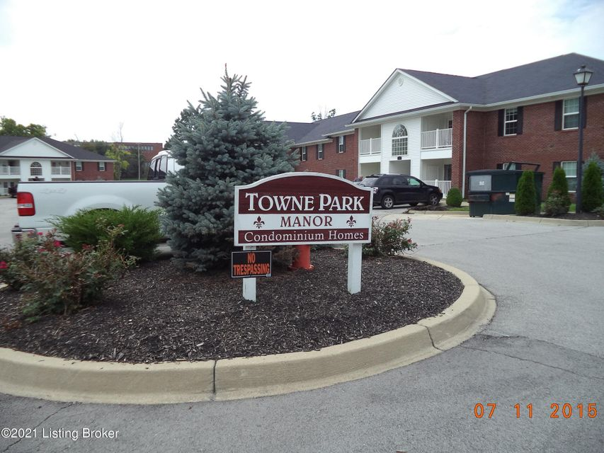 12505 Townepark Way Unit 102 Louisville KY 402432 Bedroom/2 Bath Condo located on 1st floor. Hardwood floors, fresh paint, balcony. Large bedrooms, master bedroom w/ bathroom. Water & Trash included. No petsRent $1200Deposit $1200>>>>>>>$35 Application Fee- NO PERSONAL CHECKSDocuments: Proof of Income.Household income should 2.5 X the monthly rent (Net Income)
