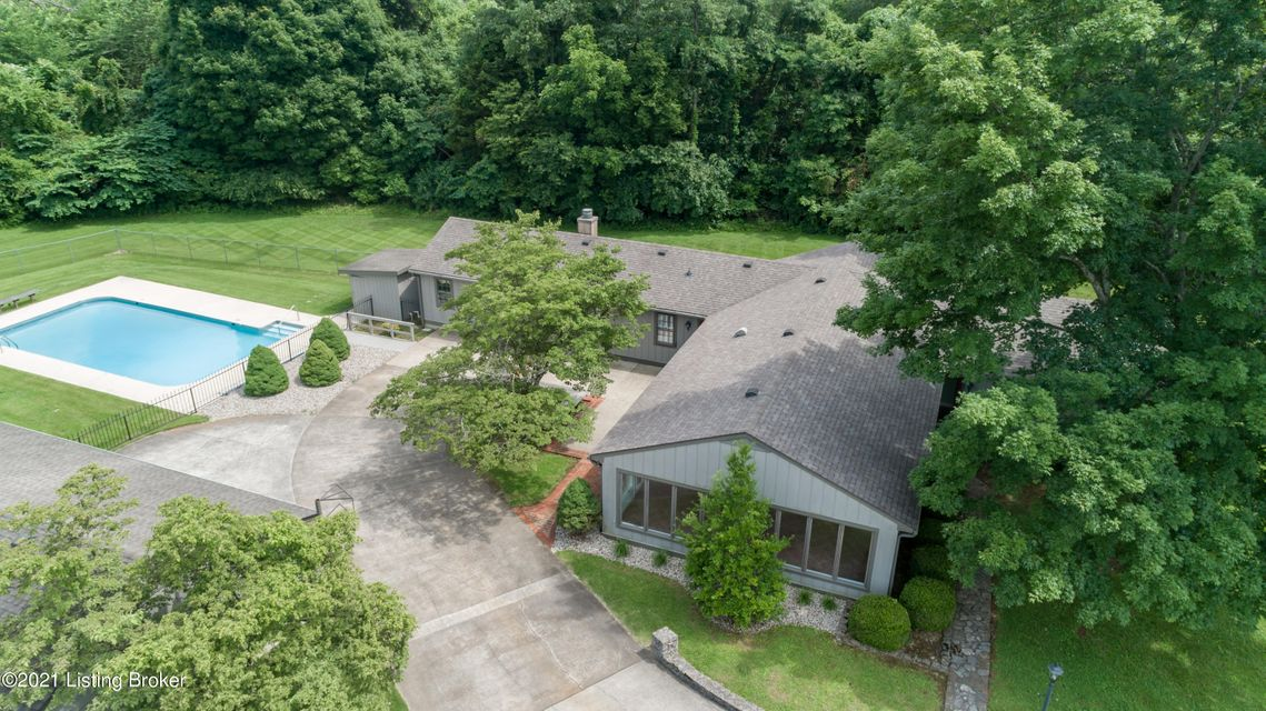 This beautiful home is a hidden treasure just minutes from downtown Bardstown, or 30 minutes to Louisville. This property also borders a golf course and includes some woods. Lots of privacy on this 16 acre lot. As you enter the front door there is a spacious Living/Dining Room combination with a wood burning fire place. From this room there...