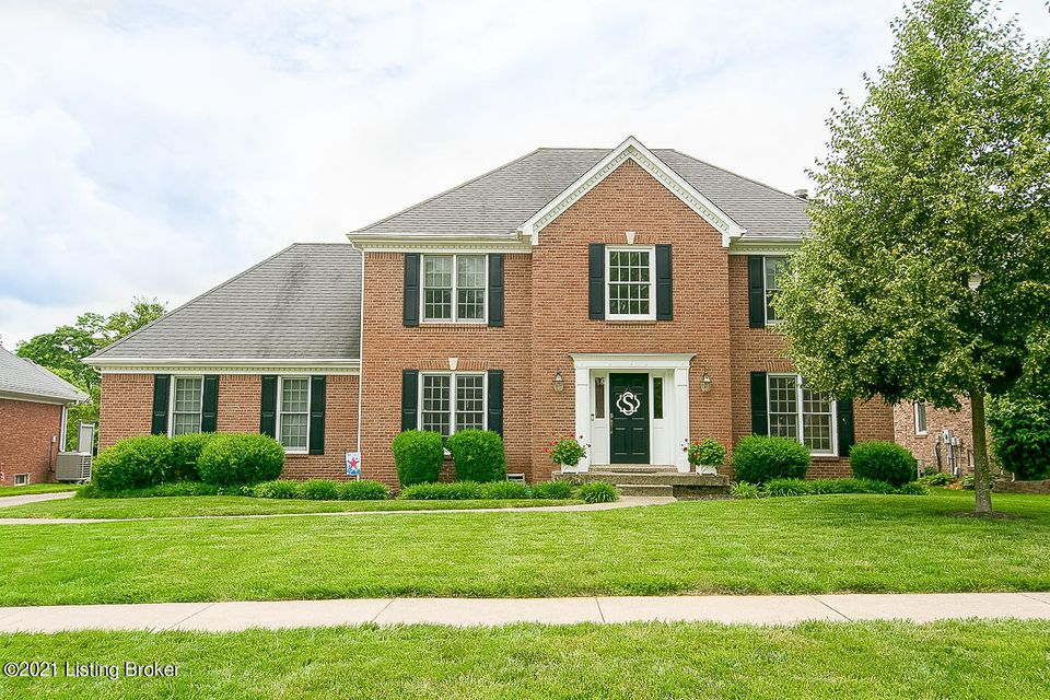 PRICED BELOW RECENT APPRAISAL! Original owners! Brick 2 story in the highly desirable Forest Springs community - conveniently located near the Snyder, walk to grocery & dining, convenient to Middletown, Springhurst & Norton Commons! Hardwood floors greet you in the entry foyer which features a coat closet & half bath. Flanking the foyer you'll...