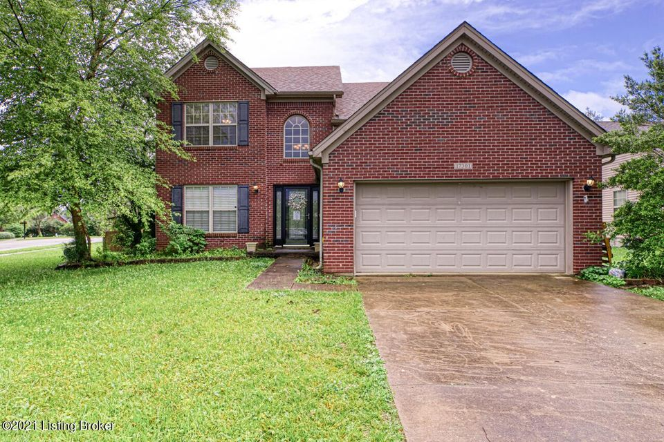 Move right into this spacious 1.5 story home in highly sought-after Polo Fields subdivision. As you enter the front door you will notice soaring ceilings in the foyer and new laminate flooring throughout. The formal dining room sits to the left.The eat in kitchen is equipped with an abundance of cabinetry, solid surface countertops and stainless...