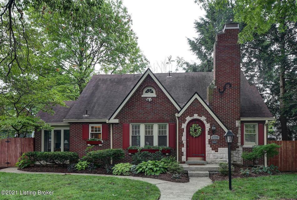 Experience Louisville park-side living at its finest, right next to Seneca, in this adorable, three bedroom St. Matthews Cotswold brick cottage! The ideal location is accentuated by the storybook setting with large trees, lush landscaping, and unique architecture, including arched front door. Exceptionally maintained pre-war construction exudes...