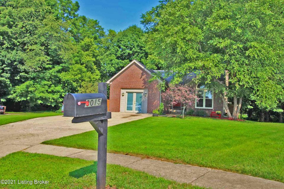 Stop Right Here!  You Found it!  This immaculate 1600+ sf home is situated just 1 mile from I-64 Exit 35 in Guist Creek Ridge!  This home has been recently updated and is Move in Ready!  Features include a Spacious kitchen with dining area, a Large Great Room with gas fireplaces & vaulted ceilings that lead out to the Private Screened in porch.  Down the hall way is the Primary Bedroom with Primary Bath & Large walk in closet.  Down the hallway are 2 additional Large Bedrooms & a 2nd Full Bath.  The laundry is also located just across the hallway for convenience.  There is also n additional Room currently used a 4th Bedroom and would also make a Great Hobby/Craft Room or office.  The Exterior features lots of trees & privately located in a Cul-de-sac.  Call NOW for your Private Viewing!
