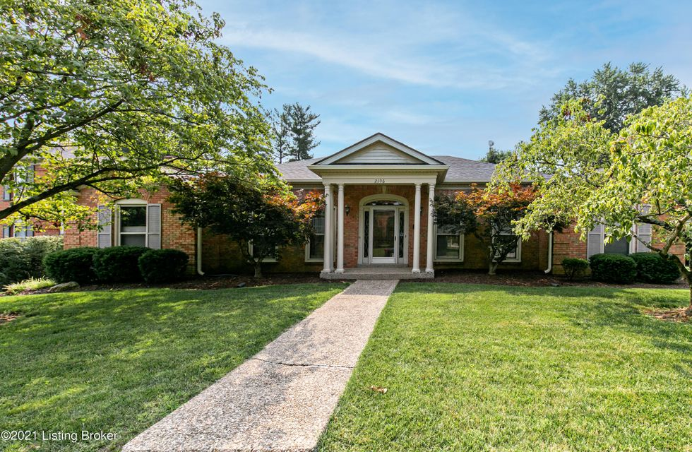 This sprawling and spacious ranch is on the market for the first time ever! The Seller is the original owner had this home custom built. Spacious living room and dining room with solid hardwood flooring, crown molding and wainscoting. The kitchen includes a separate eating area, white cabinets and granite counters. The large family room is...