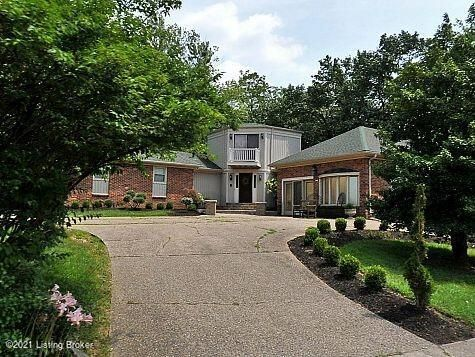 Includes grass cutting & landscape maintenance - 1 year & then month to month.  At signing 1st and last months rent and security deposit = $7500 rent amt guarteed 4 years - pets welcome!