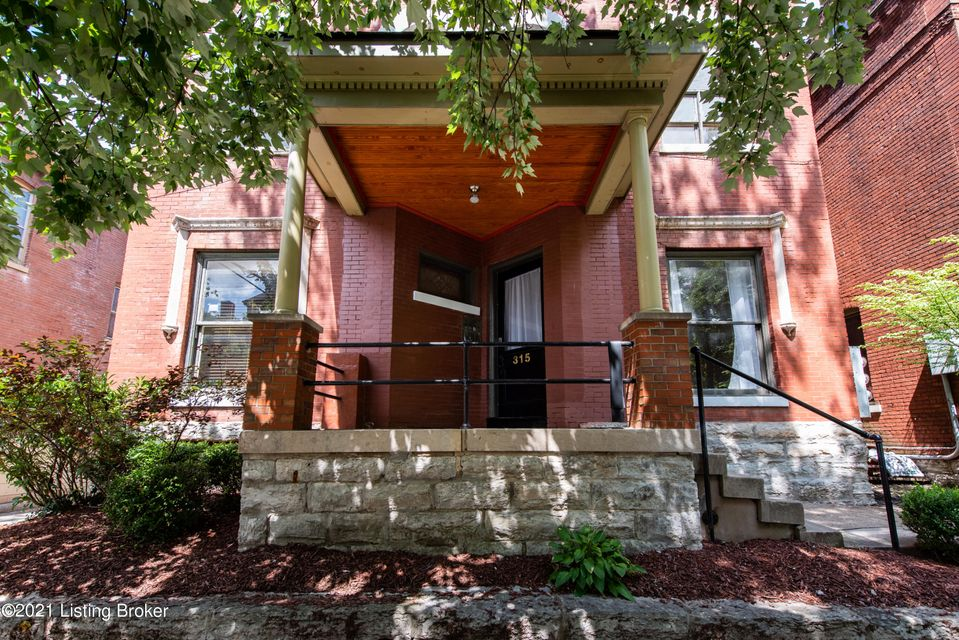 Welcome to this spectacular 1 bedroom apartment near Louisville Campus.  This unit features new floors and new ceiling fans.  This unit could also possibly be used as a two bedroom for anyone that has a roommate!This unit has window a/c units Schedule your showing today! No smoking No PetsAll applications are online at pm.bhhspw.com$50 Application Fee per Adult