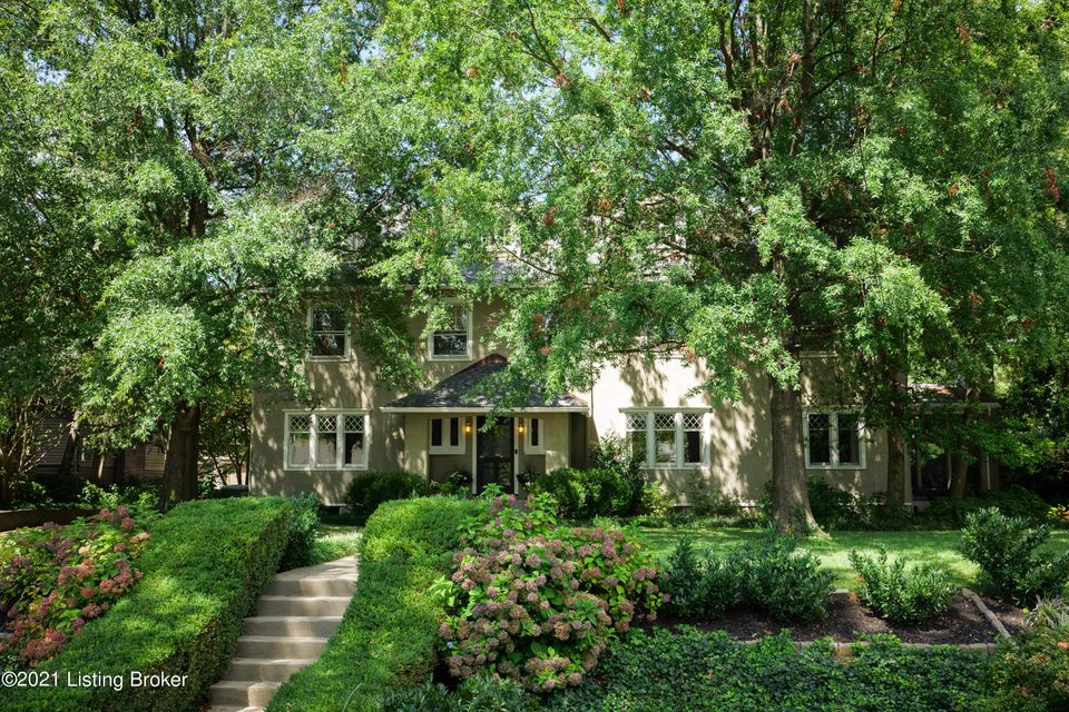 Situated on a gorgeous lot just blocks from Cherokee Park, this stunning, stately classic has been extensively renovated and is move-in ready! Enjoy the view from the welcoming front porch of one of everyone's favorite blocks in the Cherokee Triangle. The beautiful entry hall with barrel vault ceiling is flanked on either side by the formal...