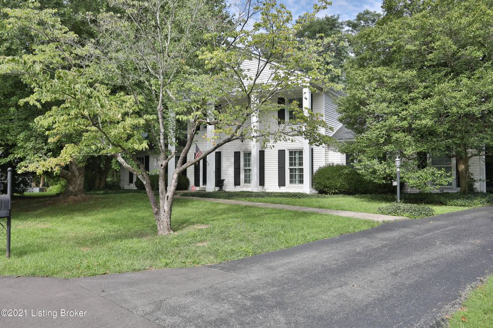 Check out this charming Hunting Creek Colonial with loads of space. This 4 bedroom 2 1/2 bath traditional home has character and the location is prime. Hardwood throughout the first floor, a large kitchen with the convenience of laundry off the kitchen, family room, formal dining room, formal living room that could easily be converted to a...