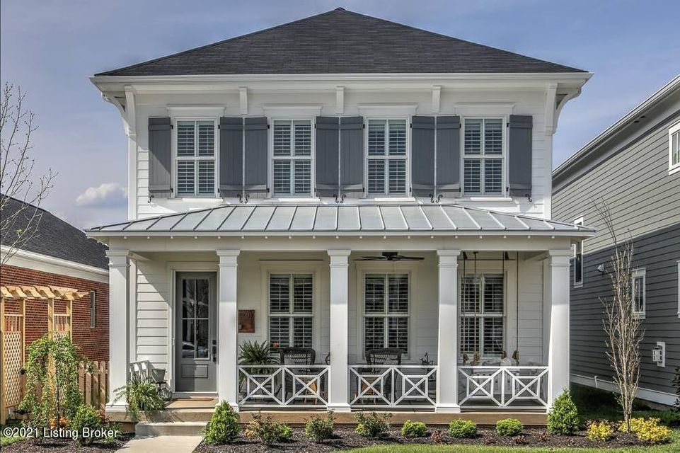 Welcome to luxury living with this professionally designed, gorgeous 4 bedroom 3.5 bathroom home located in highly desirable Norton Commons.  Built at the heart of the Emerald Park green space, this spacious 3,450 square foot, former Homearama home features magnificent hardwood flooring, custom kitchen cabinets, and quartz countertops throughout....